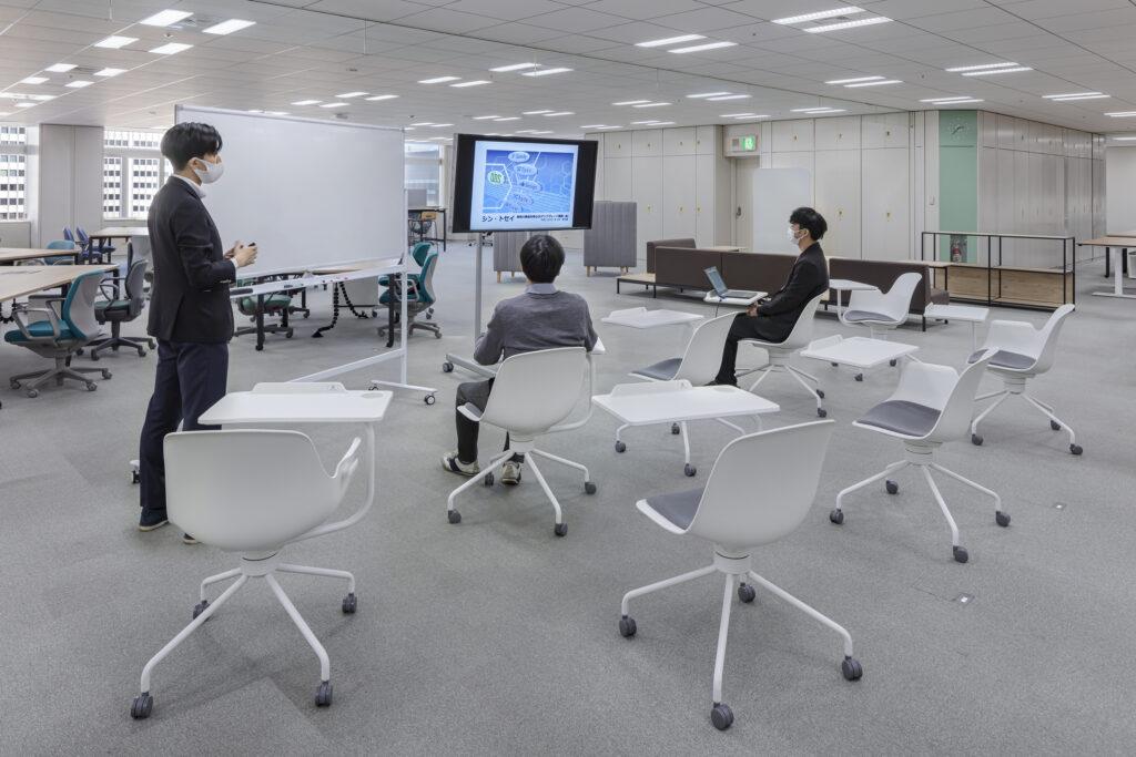 都庁第一本庁舎24階オフィス写真(未来型オフィスプロトタイプ)